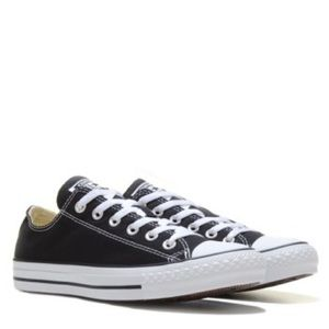 Black low top converse lightly used